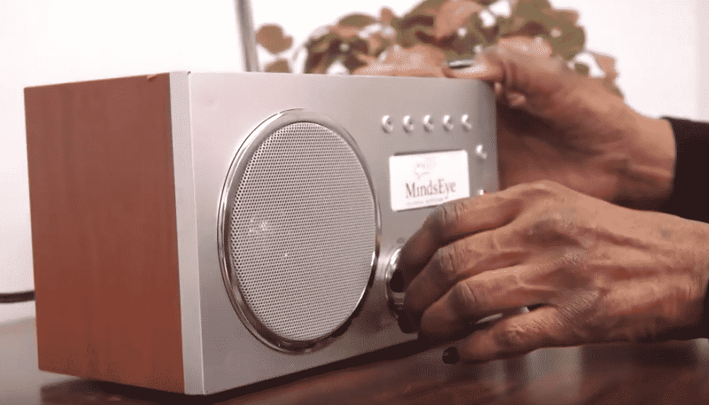 how does a radio work